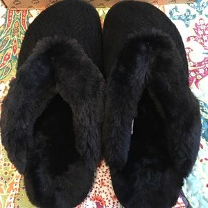 New * Lamo Black Slippers, Size 11